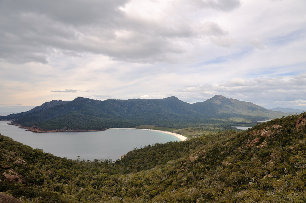 15 Best Tasmanian Landmarks - Wineglass Bay Lookout
