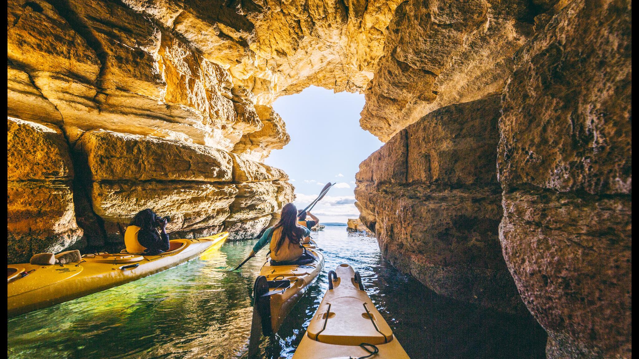 Kayaking Blackmans Bay Blowhole Tasmania